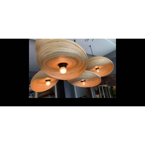 Des luminaires design, plusieurs lustre suspendus - Lampe en bambou